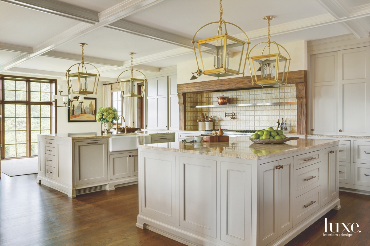 traditional kitchen neutral white cabinetry...
