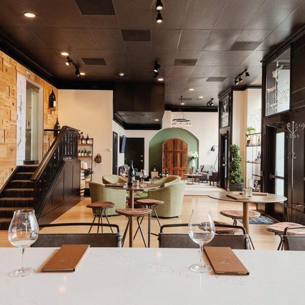 Oregon Winemakers Debut First Urban Tasting Room