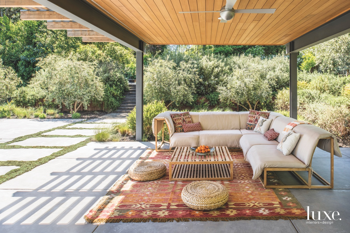 eclectic patio outdoor sitting area...