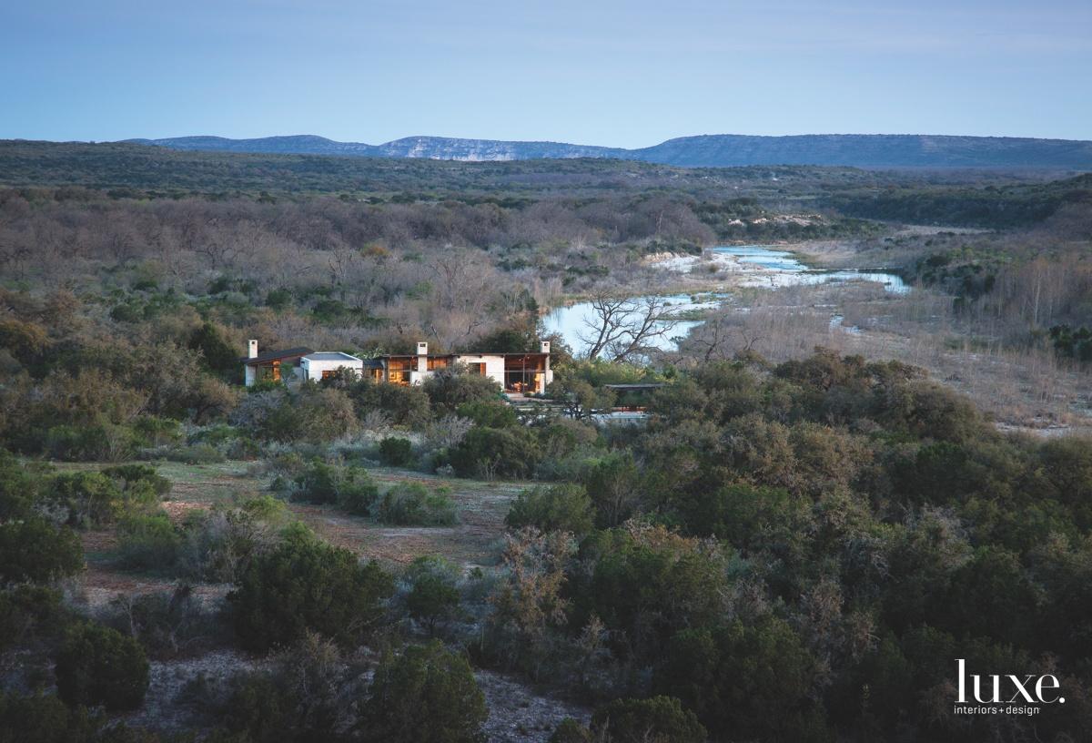 contemporary exterior landscape
