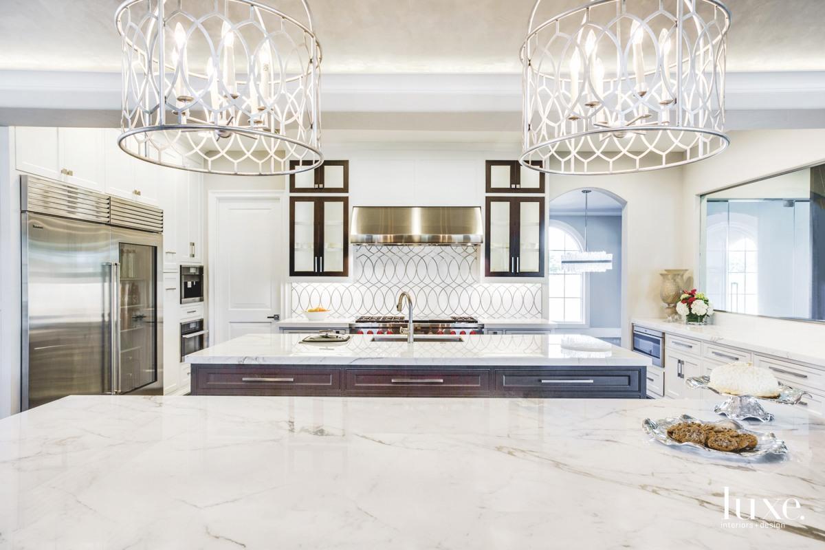 aria-stone-gallery-calacatta-vagil-marble-kitchen