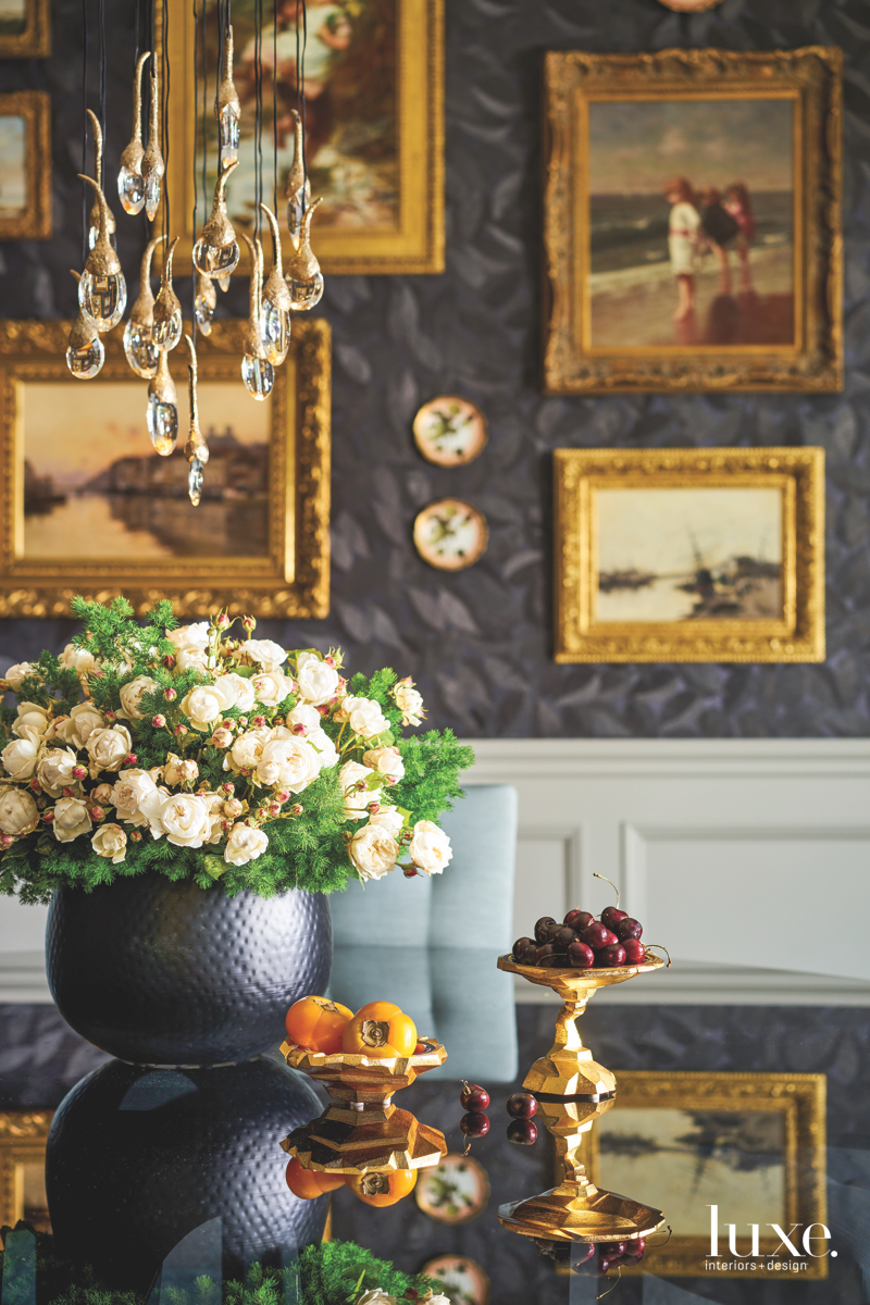 traditional dining table black and...