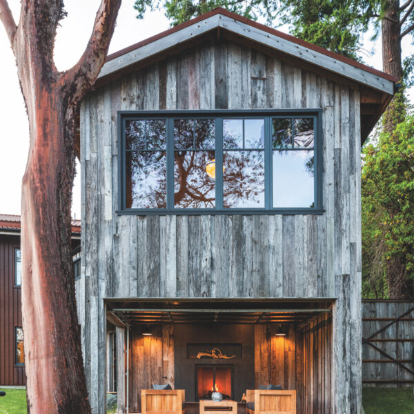 A San Juan Islands Home For 12 Goes Rustic