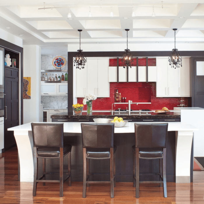 14 Kitchens Backsplashes