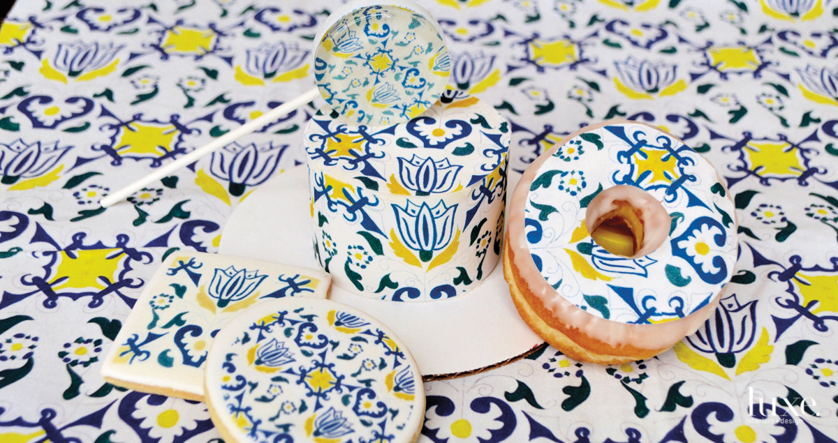 The entertaining maven established herself as the ultimate maximalist with her decorative and edible sheets for cakes, doughnuts and other delicious bites.