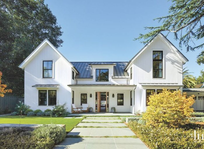 22 Farmhouse-Inspired Homes