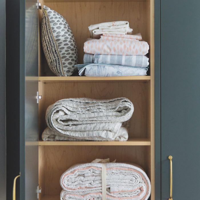 LX_NY35_Scene_rebecca-atwood-linen-closet