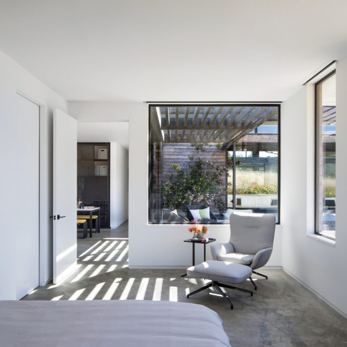 13 Minimalist Bedrooms That Prove Less Really Is More