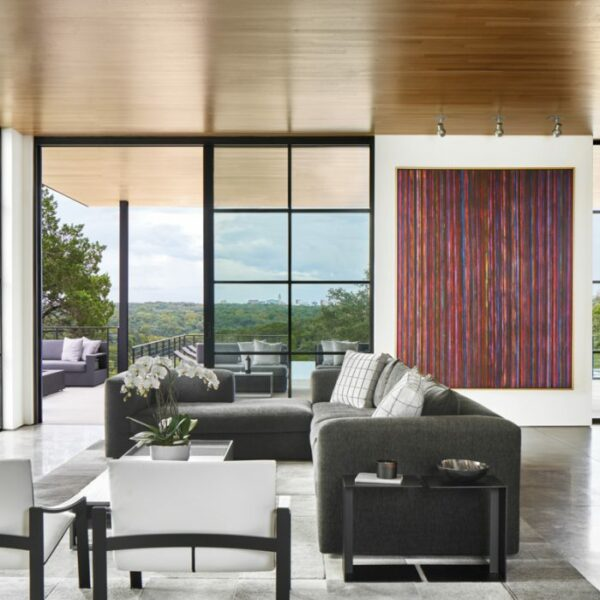 A Contemporary Austin Residence Makes Way For Art