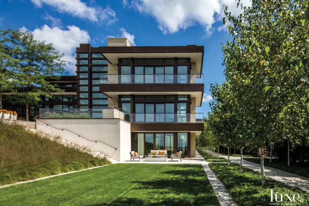 The Chicago Lakeside Home That's A Modernist's Dream