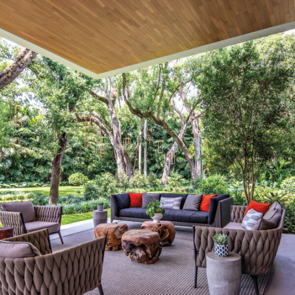 Nestled Among Oak Trees, A Miami Home Is A Modern Haven
