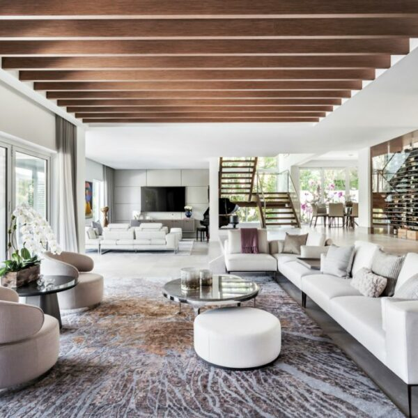 A Coral Gables Renovation Produces A Warm, Modern Design