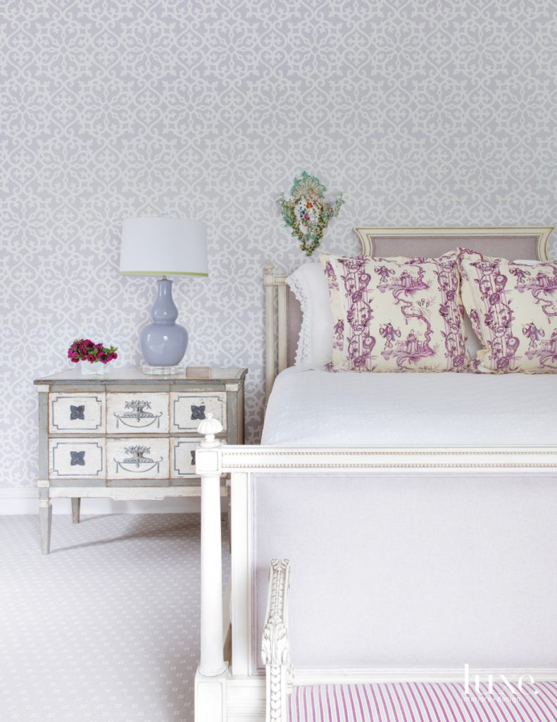 Thibaut's Allison wallpaper in lilac...