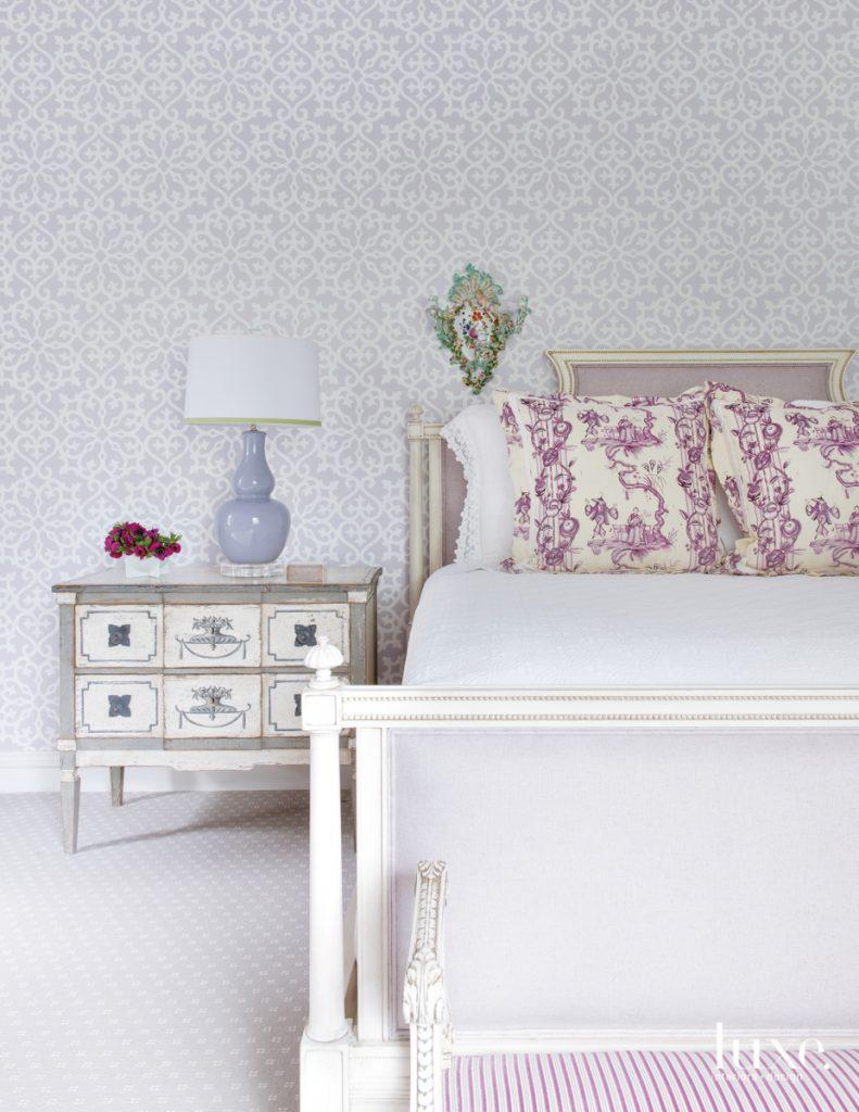 Thibaut's Allison wallpaper in lilac...