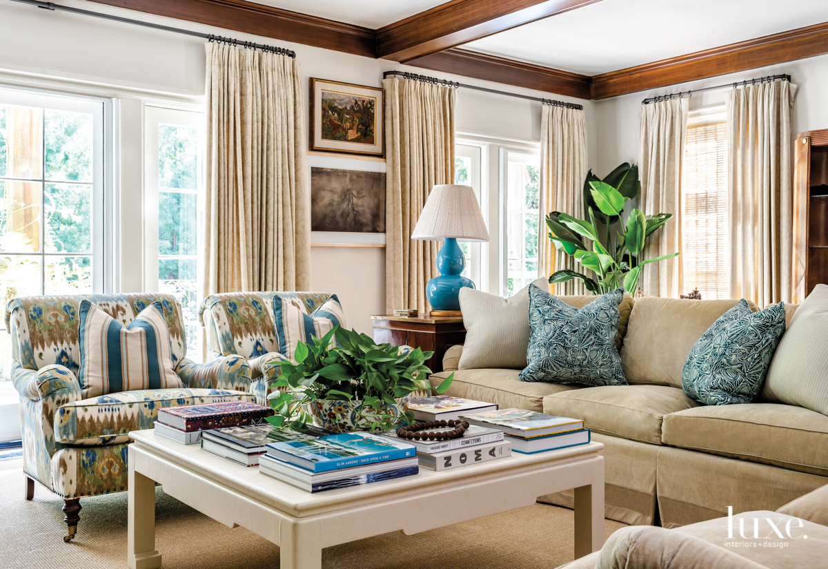 family room with arm chairs...