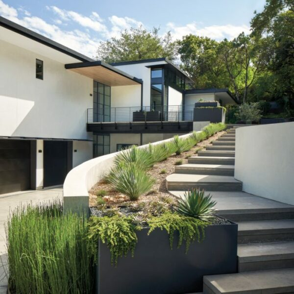 Modern Design+Build & Modern Pools, Inc.