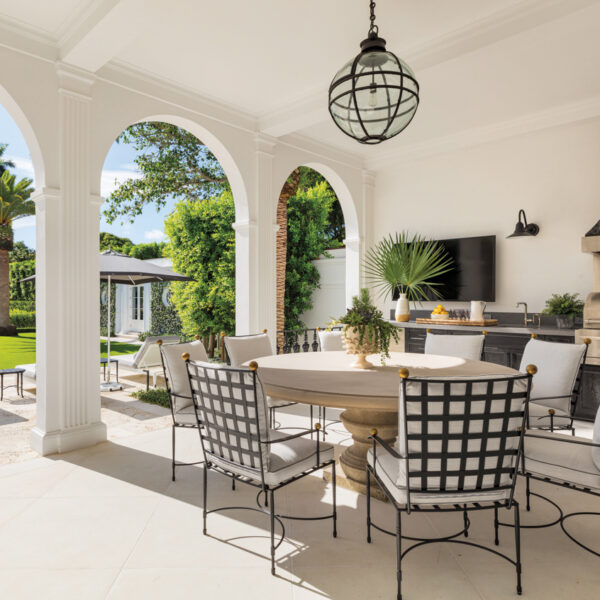 Get The Look Of This Chic Palm Beach Outdoor Kitchen Scene
