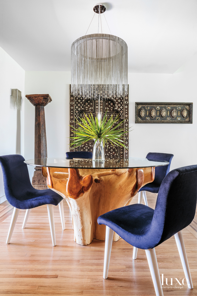 Small yet sophisticated dining area...