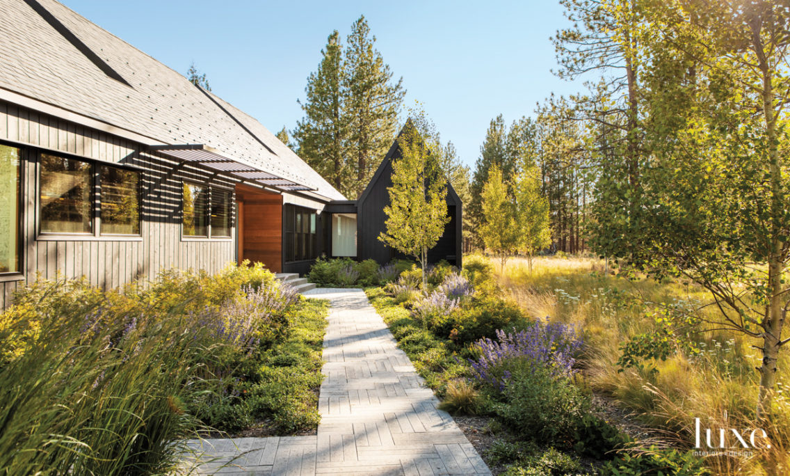 Try Not To Fall In Love With This Cozy Oregon Home With A National Forest As A Yard