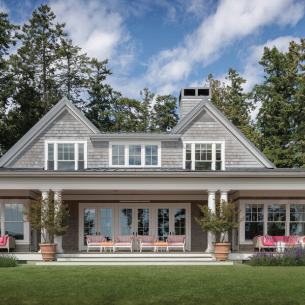 A Coastal Pacific Northwest Home With Spunk Welcomes Dog Lovers