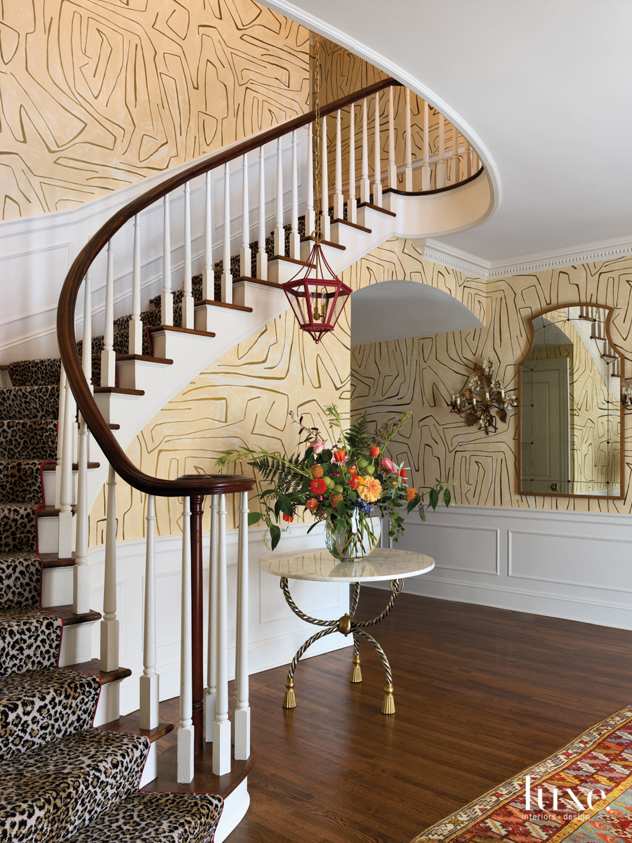 entry way with leopard print...