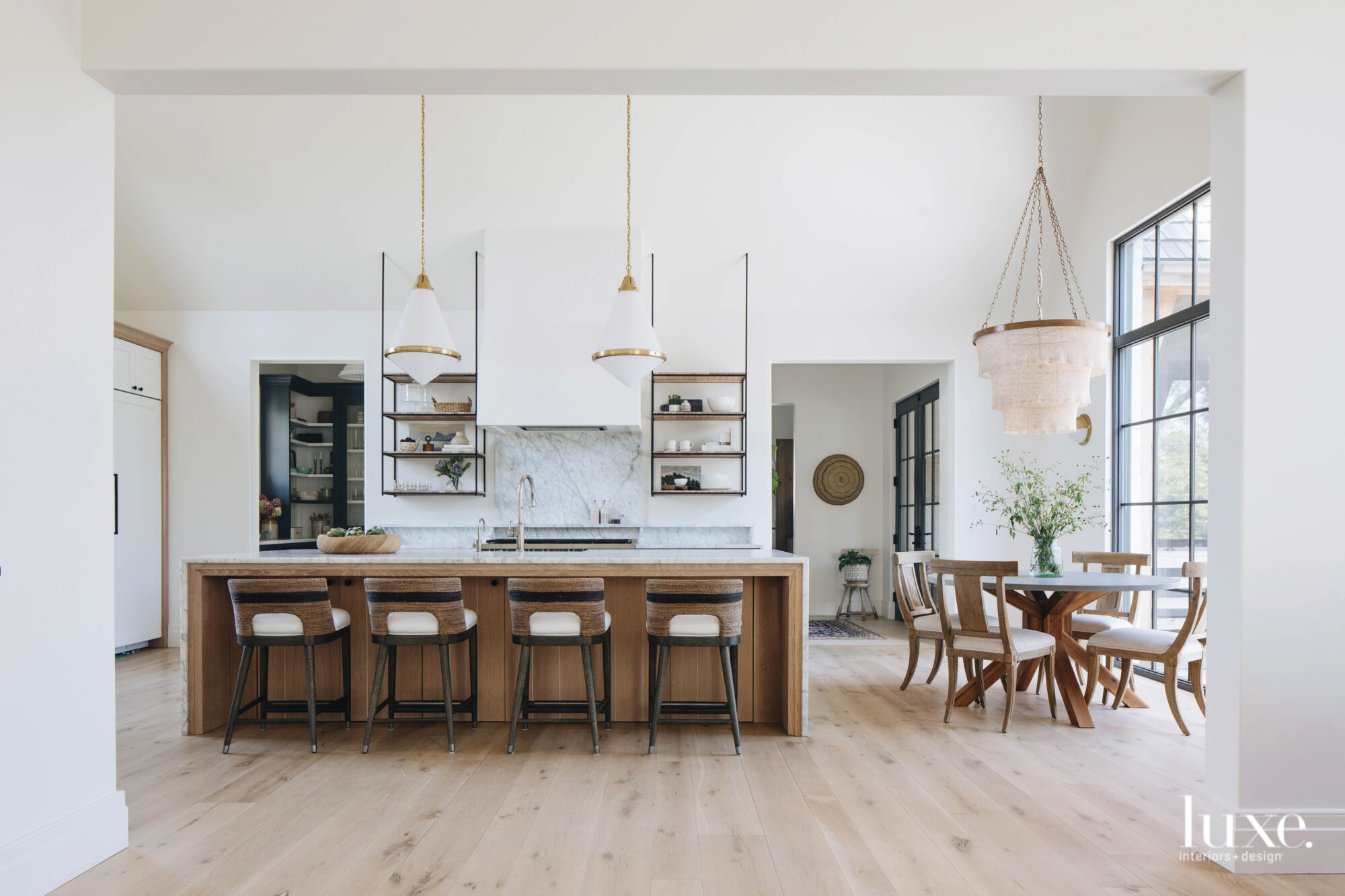 This huge yet simple kitchen...