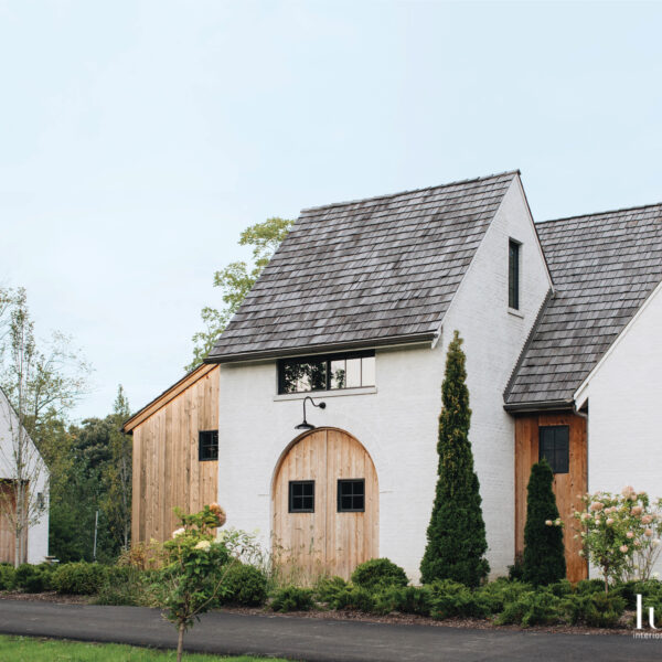 22 Farmhouse-Inspired Homes With A Hint Of Glam