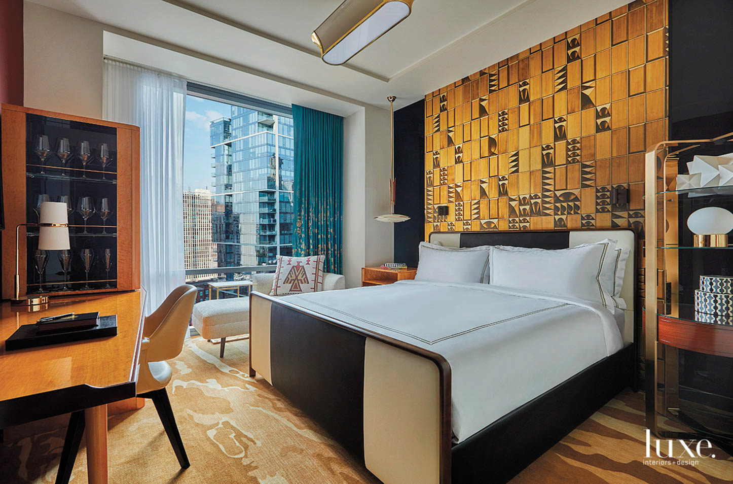 Golden wood finishes brighten up this Chicago hotel room.