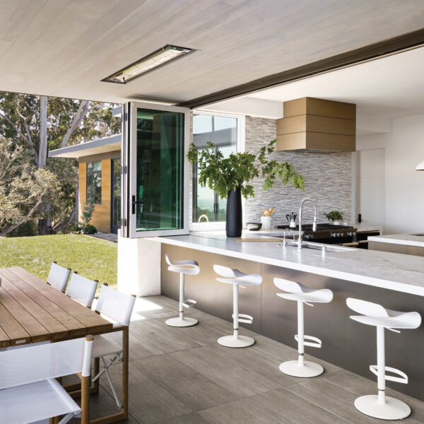 10 Kitchens That Will Make You Feel At One With The Outdoors