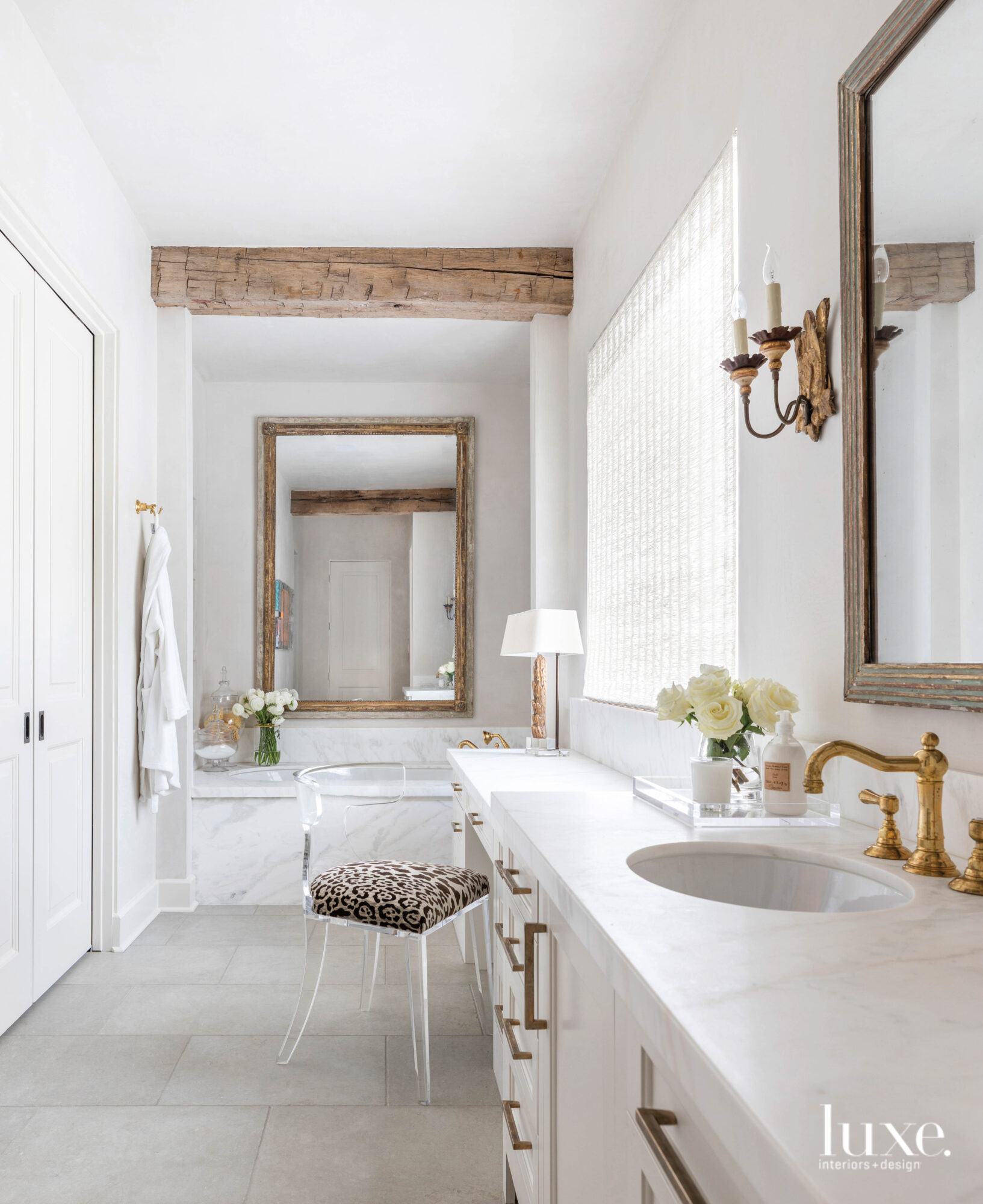 Neutral bathroom with a touch...