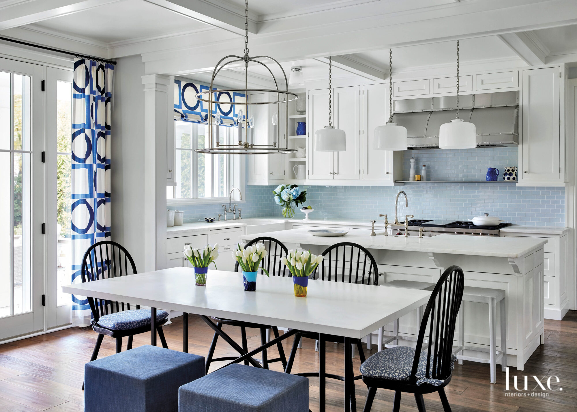 A Little Bit Of The Unexpected Makes A Designer S Chicago Area Home Sing Luxe Interiors Design
