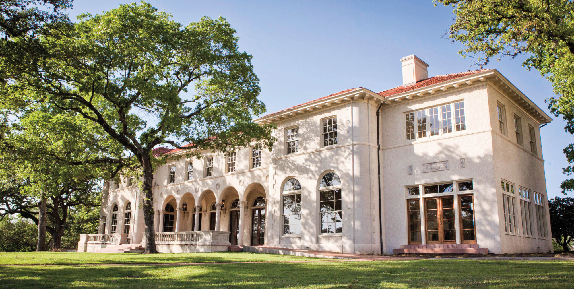 Commodore Perry Estate Feels Like A European Escape—In Texas
