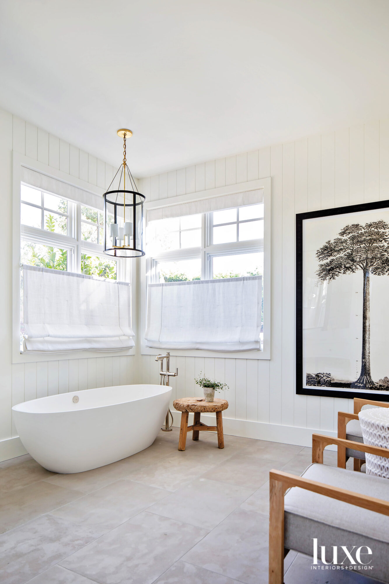 Main bathroom with freestanding tub