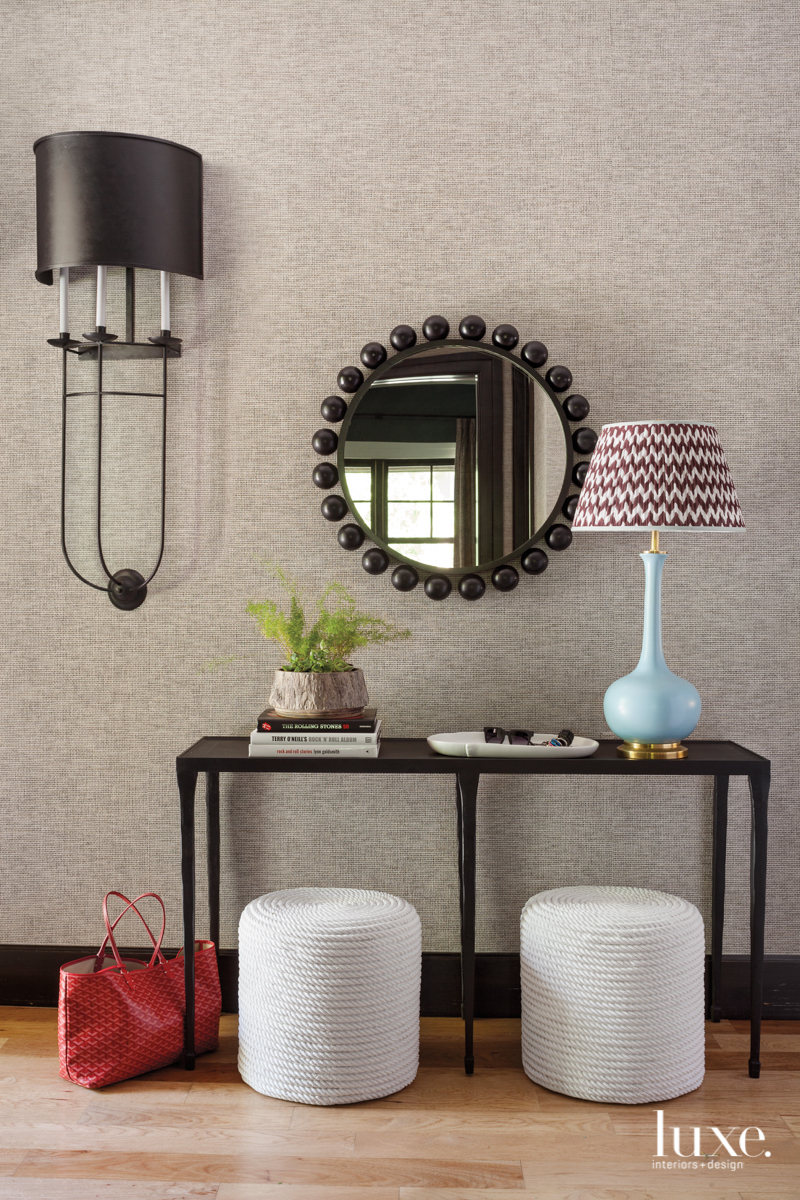 entry with tan wallpaper