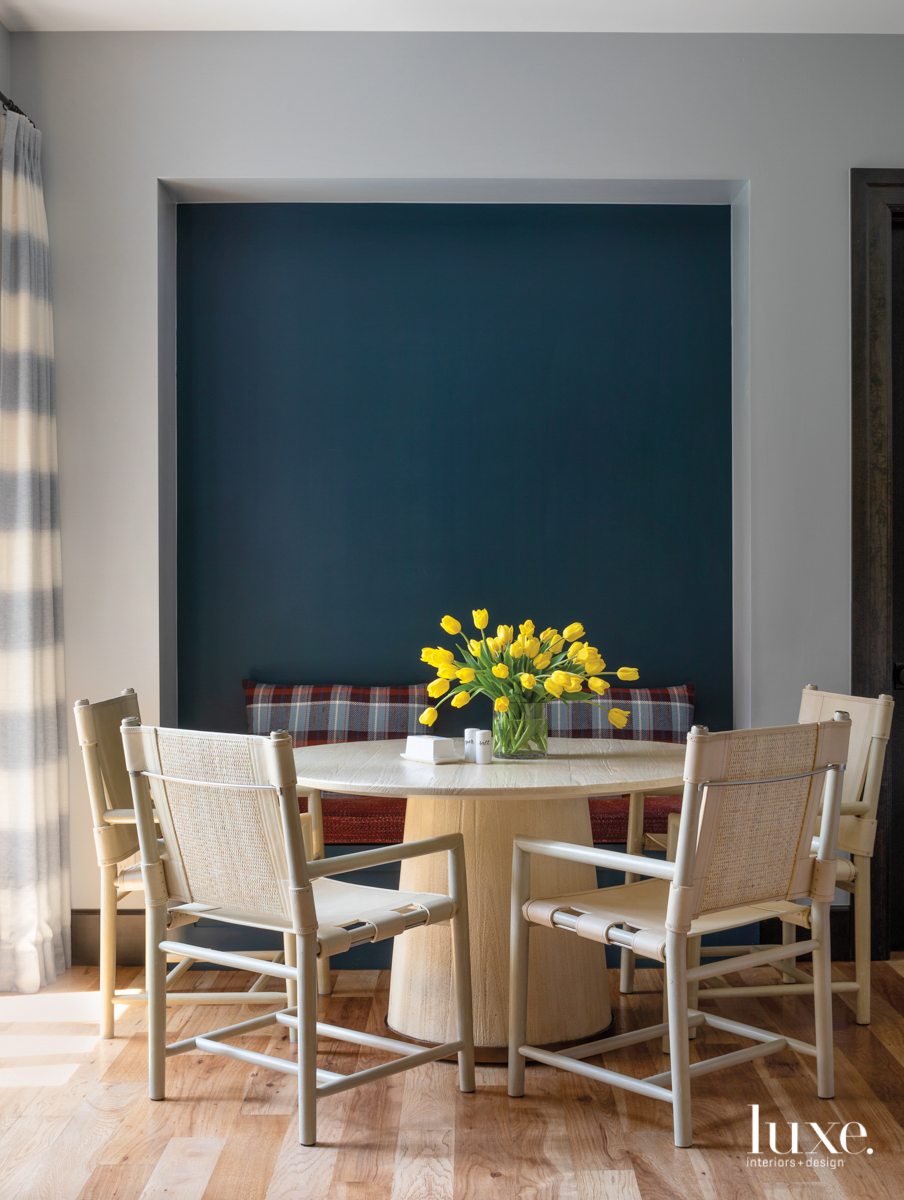 breakfast nook with teal accent...