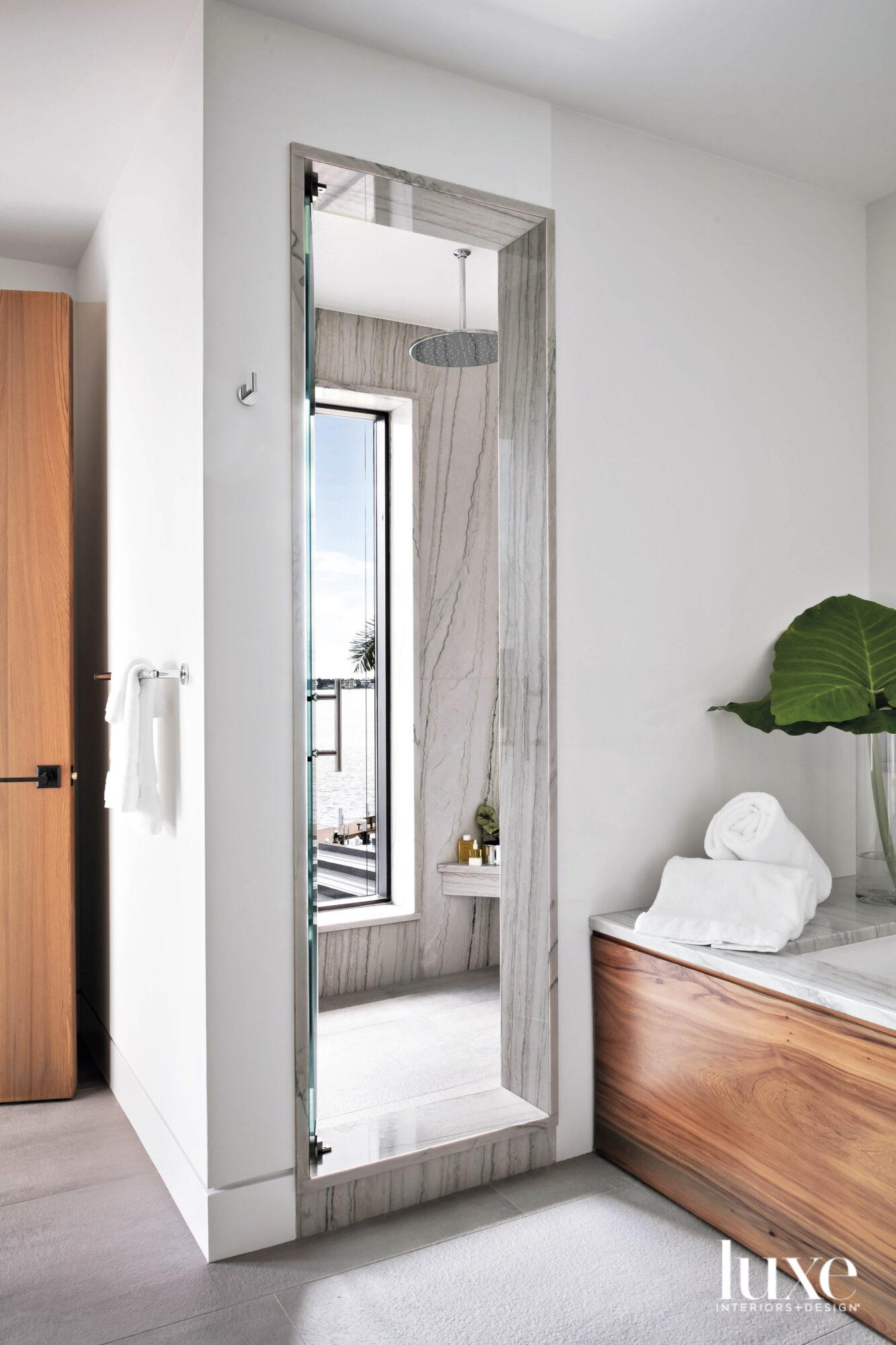 Main bathroom with quartz-clad shower.