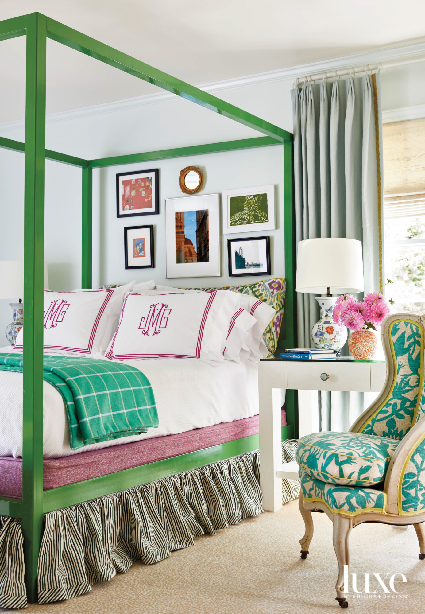 Green canopy bed with green...
