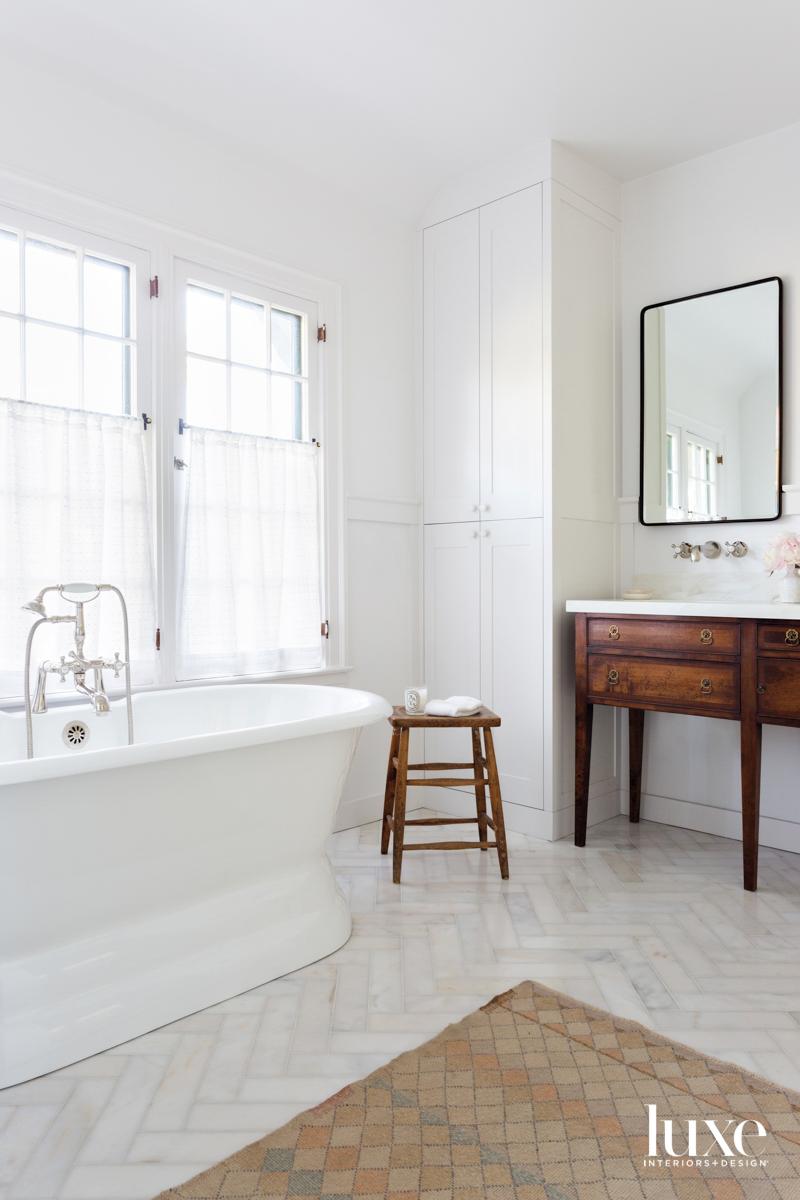 Corner of main bath with...