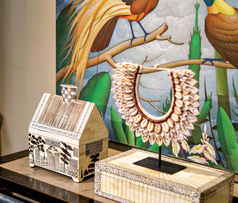 Venerable Antiques Brand Hollis Opens New San Marino Showroom