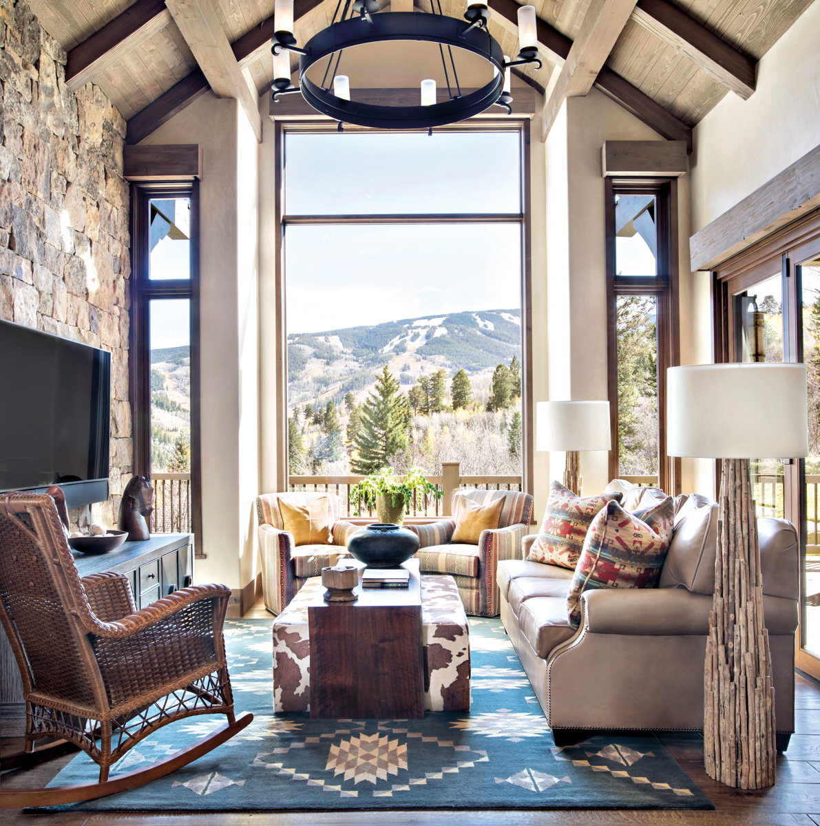 living room with views of mountains