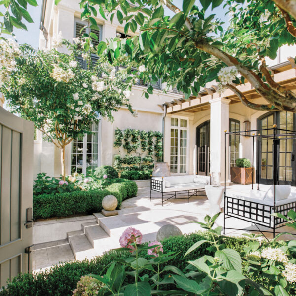 Enter This Nashville Courtyard That's The Ultimate Outdoor Room