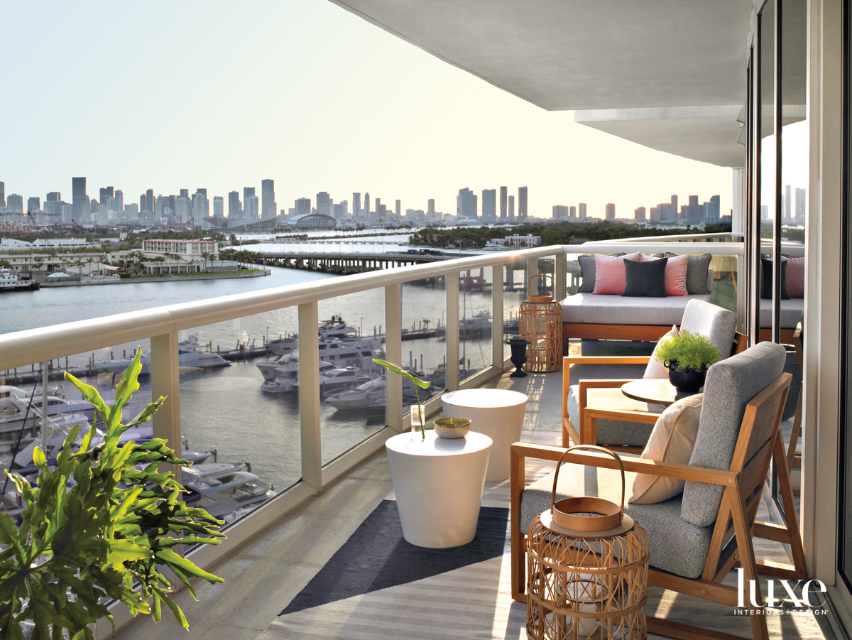 balcony with city view, chairs,...