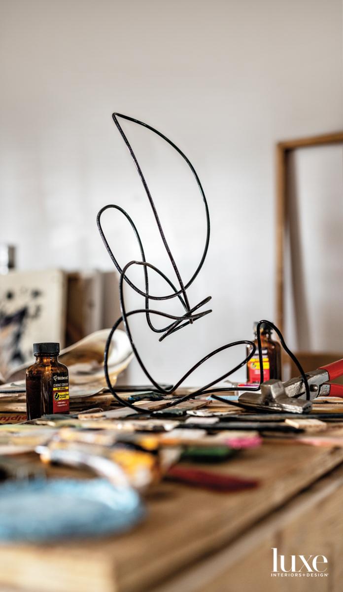 wire sculpture by jordan betten