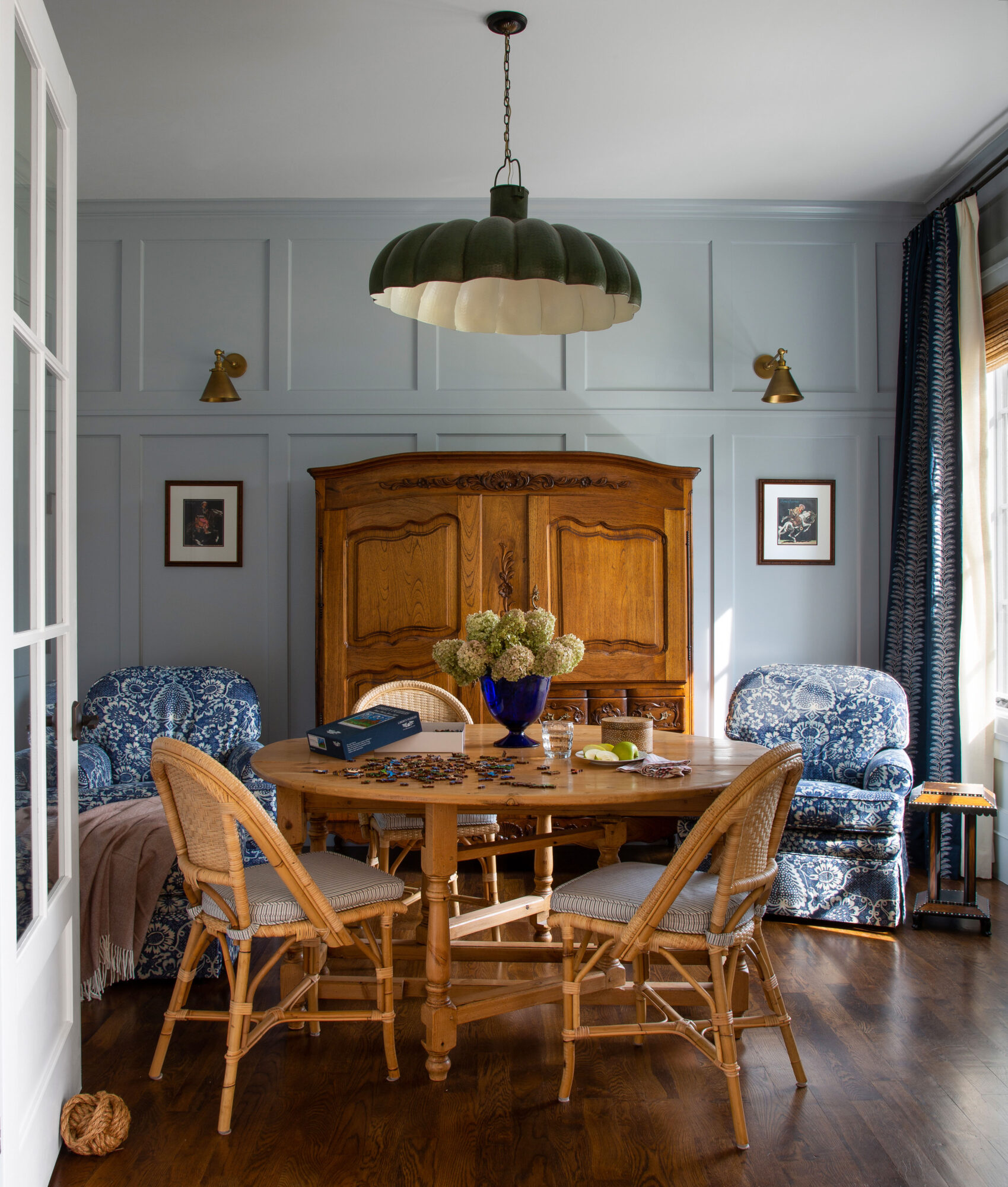 Embrace This Fresh Take On Red, White And Blue In Denver {Embrace This Fresh Take On Red, White And Blue In Denver} – English