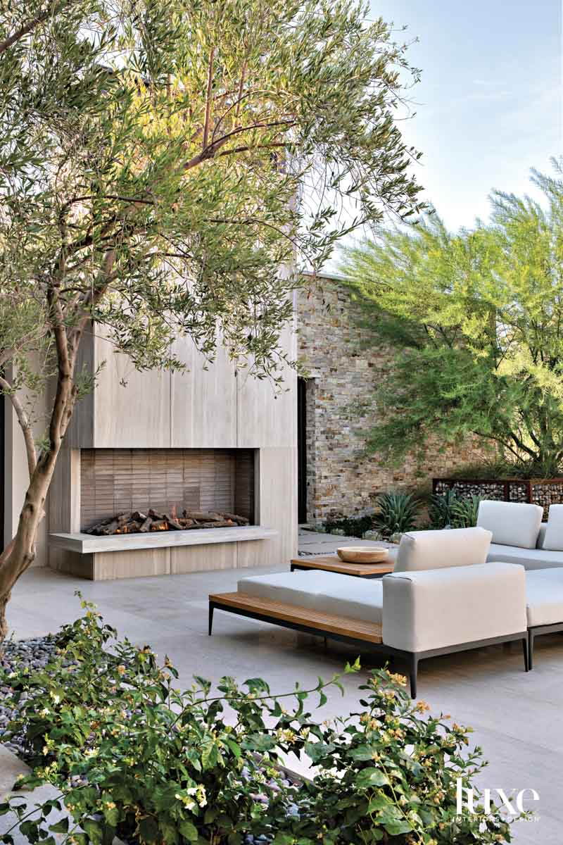Terrace with a sectional facing...