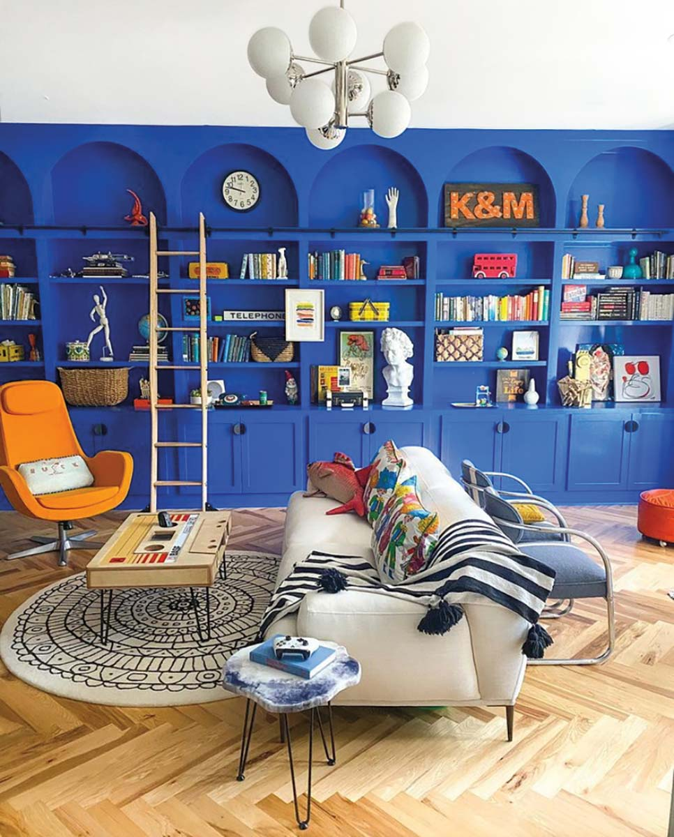 Interior Living Space oleh Natalie Papier