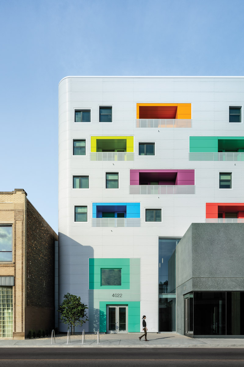 Perpustakaan umum chicago eksterior berwarna-warni