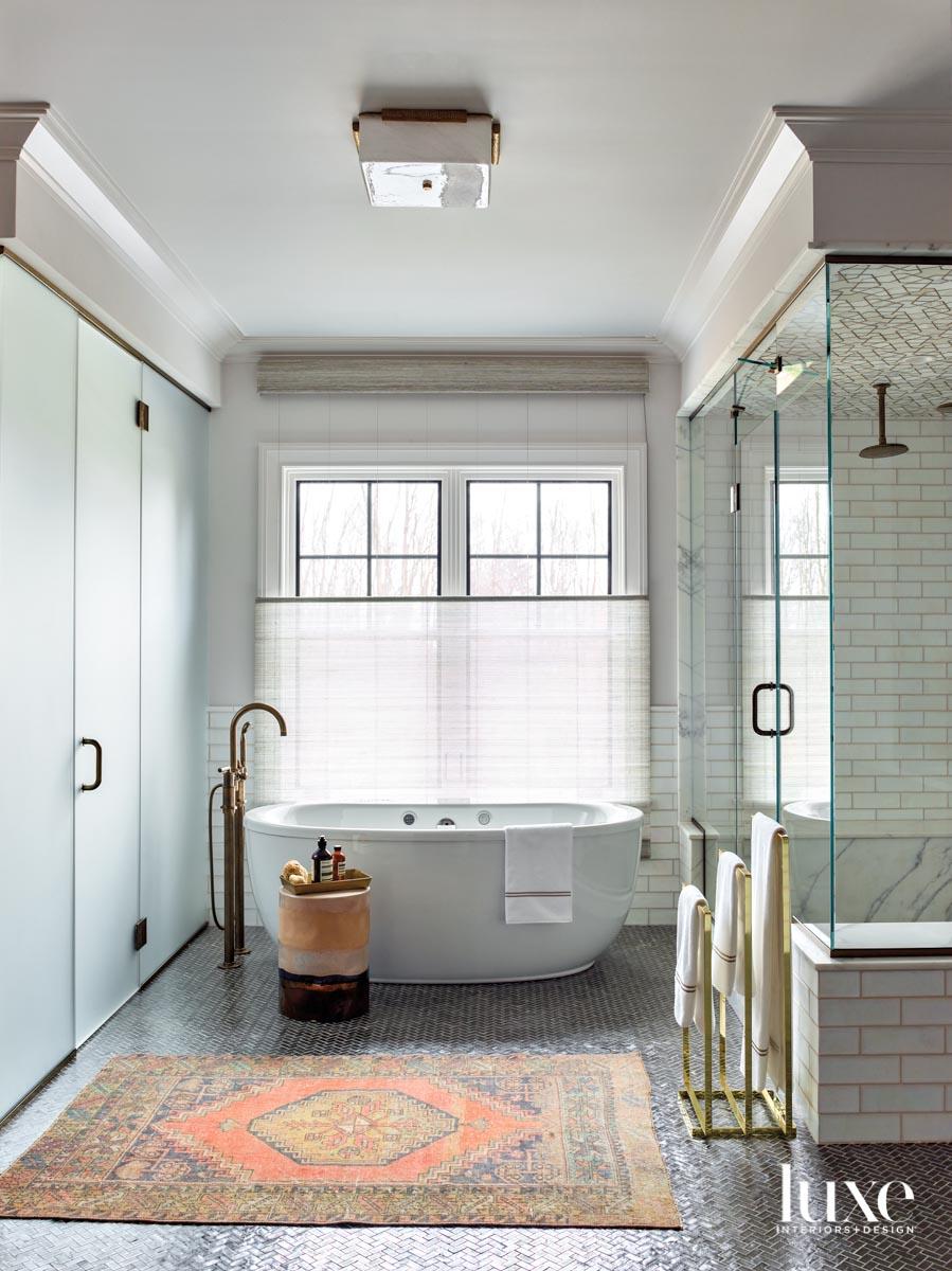 soaking tub white bathroom