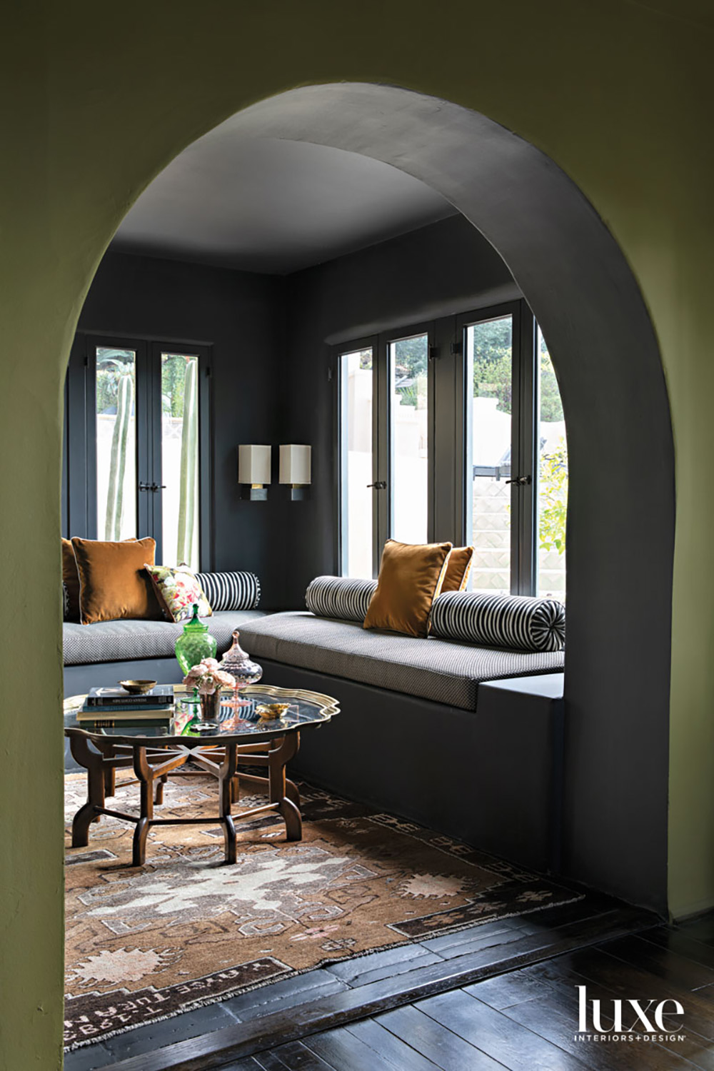 Arched passage to breakfast lounge