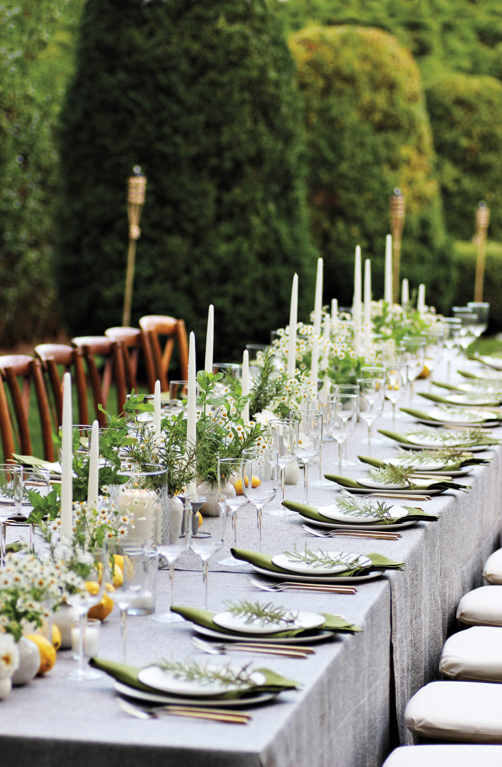 Quick Floral-Styling Tips For Any Tablescape {Quick Floral-Styling Tips For Any Tablescape} – English